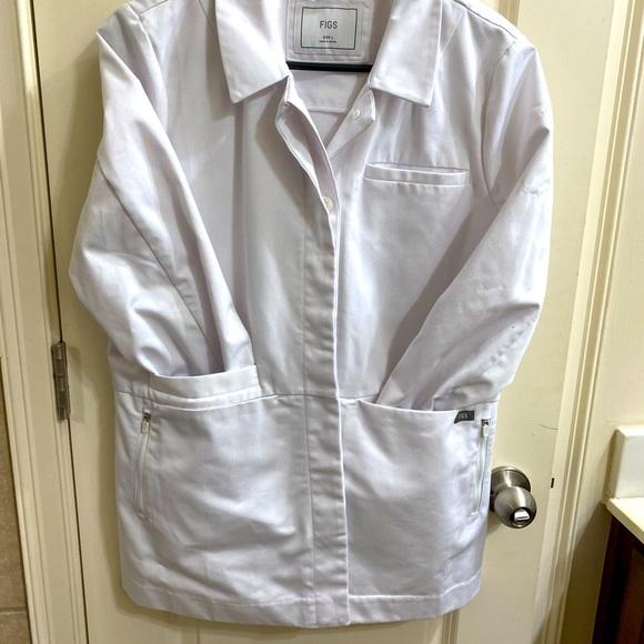 Figs Women's short white coat